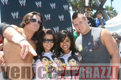 WWE   World Wrestling Entertainment in Venice Beach   08 09 08 (30)