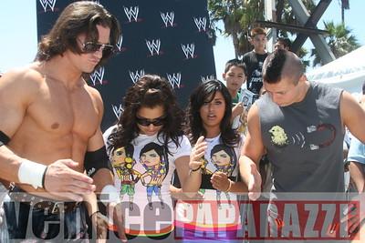 WWE   World Wrestling Entertainment in Venice Beach   08 09 08 (31)