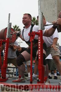 09 14 08 Muscle Beach Powerlifting   www powerlifitingca com  www musclebeach com (16)