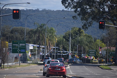 Main road through Penrith - the Blue Mountains ahead!