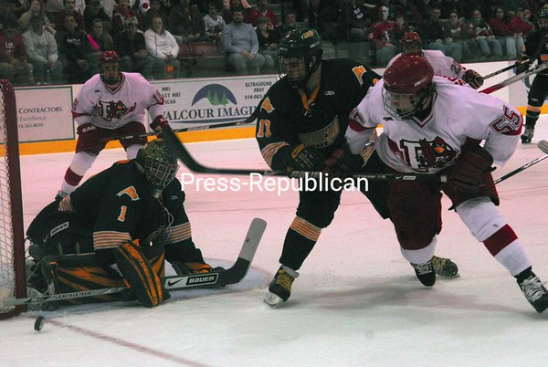Saturday, March 7, 2009. Plattsburgh State vs. Oswego State in Plattsburgh.  Plattsburgh won 5-4 defending their SUNYAC title.<br><br>(P-R Photo/Rachel Moore)