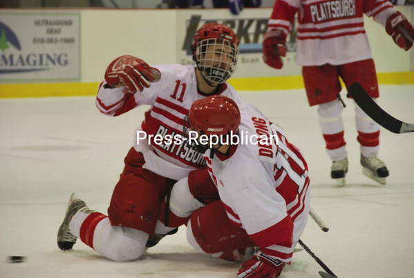 Saturday, February 13, 2010. Plattsburgh State vs. Fredonia University in Plattsburgh.  PSU won 4-1.<br><br>(P-R Photo/Jen Stiles)