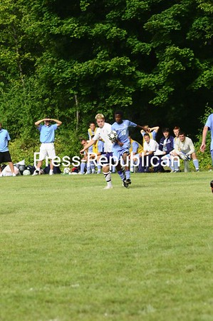 Sunday, August 30, 2009. Clinton Community College vs. Onondaga Community College in Plattsburgh.  Onondaga won 5-1.<br><br>(Staff Photo/Michael Betts)