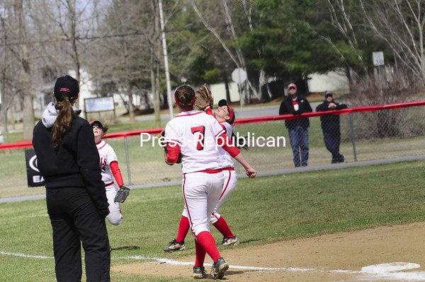 Saturday, April 11, 2009. Plattsburgh State vs. Oneonta in Plattsburgh.  PSUC won 8-0 and 3-2 in the double header.<br><br>(Staff Photo/Michael Betts)