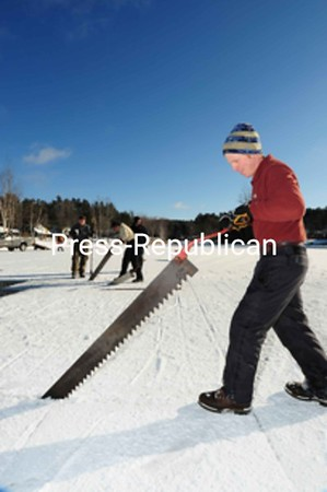 Thursday, January 21, 2010. Crews cut and lay blocks of ice for the Saranac Lake Winter Carnival Ice Palace.<br><br>(P-R Photo/Jack LaDuke)