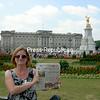 Jenifer Jensen, in front of Buckingham Palace