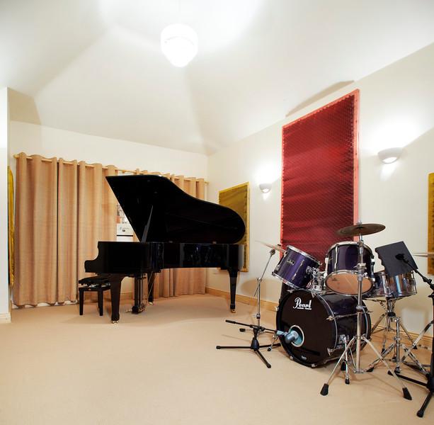 music_room_02