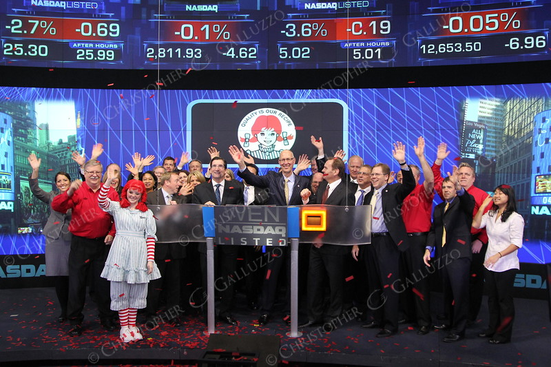Wendy's CEO closes the market with Nasdaq CEO & Executives