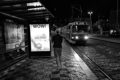 donna in prague at night