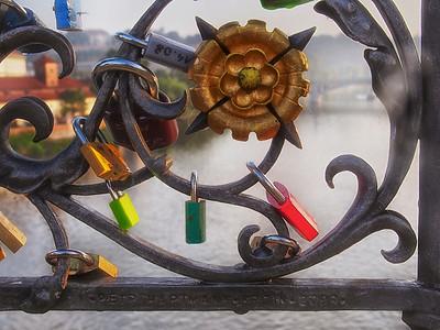 locks on charles bridge