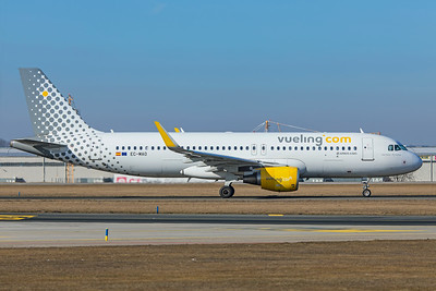 Vueling Airbus A320-214 EC-MAO 2-24-19
