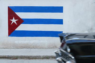 Cuba Flag Mural and Car