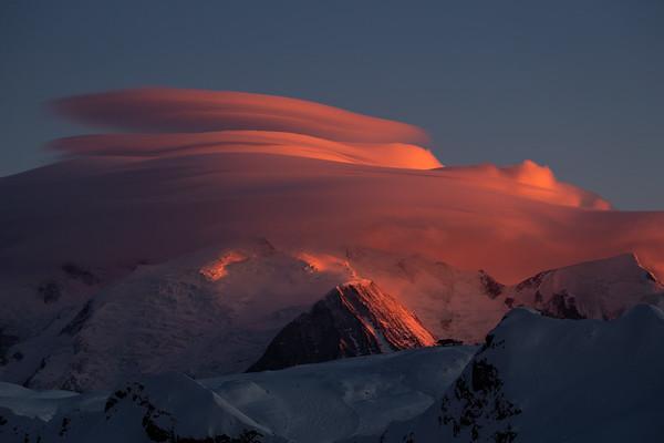 Altocumulus lenticularis, Mont Blanc.