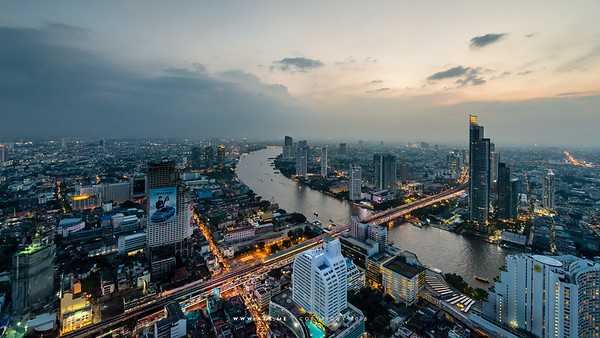 Bangkok and Chao Phraya River view from Le Bua at State Tower