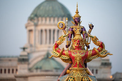 Narai Song Suban HM Rama IX Royal Barge (replica) in   Love and Warmth at Winter's End, Un Ai Rak Khlai Khwam Nao, the River of Rattanakosin