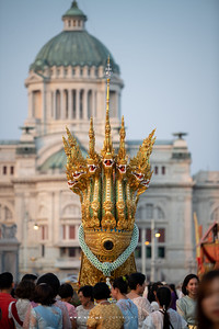 Anantanakkharat Royal Barge (replica) in Love and Warmth at Winter's End, Un Ai Rak Khlai Khwam Nao, the River of Rattanakosin
