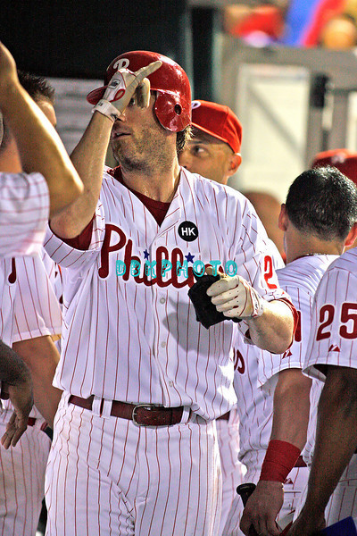 August 20, 2009: Phillie's Rf Jason Werth (28) is gets hgh fives in the dugout after hitting a home run during the game between the Arizona Diamondbacks and the Philadelphia Phillies at Citzens Bank Park in Philadelphia, PA. The Phillies defeated the Diamondbacks 12-3. Donald B. Kravitz