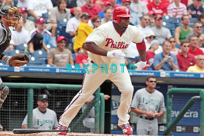 7 August 2008: Philadelphia Phillies' Ryan Howard (6) tries to beat out a ground ball to second base against the Florida Marlins. The Marlins went on to win defeating the Phillies 3-0 in Citizens Bank Stadium in Philadelphia, PA
