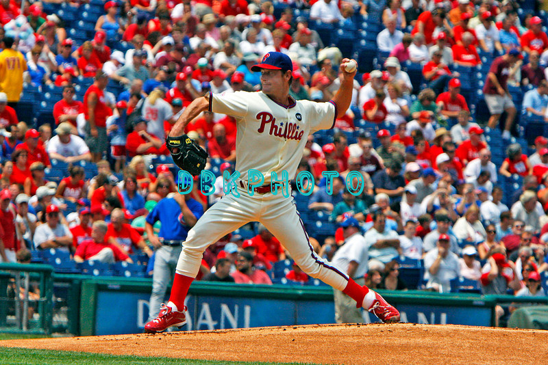 July 22, 2009: Phillies pitcherJamie Moyer (50) prepares to fire a pitch to homeplate during the game between the Chicago Cubs and the Philadelphia Phillies at Citzens Bank Park in Philadelphia, PA. The Cubs ended the Phillies 10 game winning streak by defeating them 10-5. Donald B. Kravitz/CSM