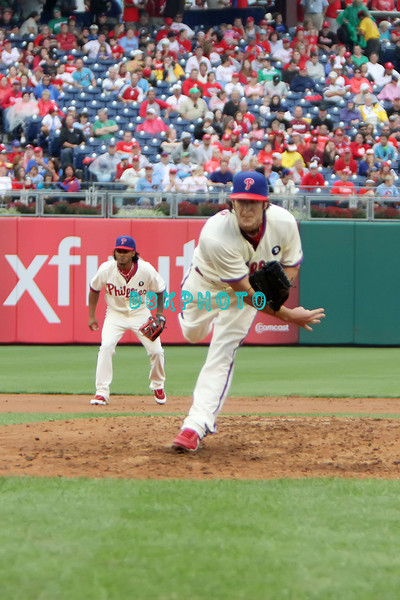 September 15,2011 - Philadelphia, Pennsylvania, U.S. - Philadelphia Phillie's MICHAEL STUTES, #40 pitcher of the Phillie's, delivers a pitch during the game between the Phillie's and the Marlins at Citizens Bank Park, Philadelphia, PA. The Phillie's defeated the Marlins 3-1.