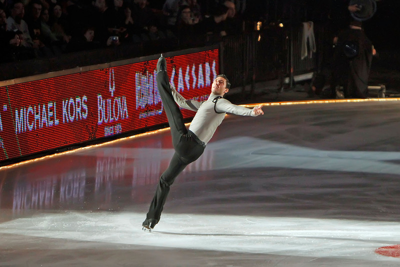 """ATLANTIC CITY, NJ - DECEMBER 11:  Evan Lysacek skates at 'A Salute to the Golden Age of American Skating""""  at Boardwalk Hall Arena on December 11, 2010 in Atlantic City, New Jersey.  ()"""