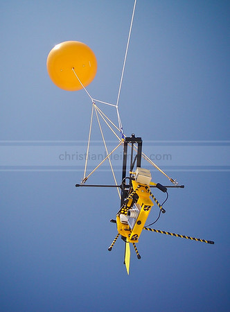 Experimental with Helium Balloon (2006)