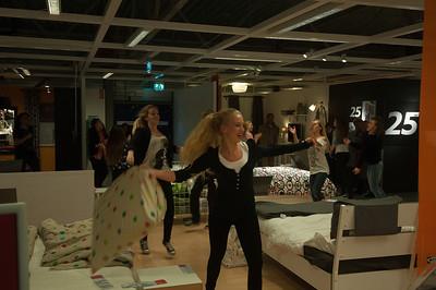 Flashmob, zingende obers