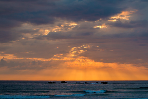 LIGHT RAYS ON THE PACIFIC