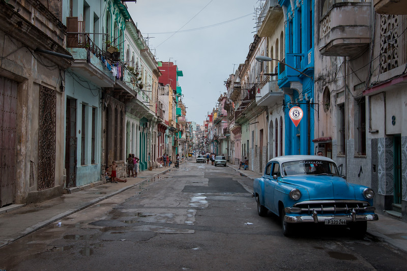 COLORFUL HAVANA STREET