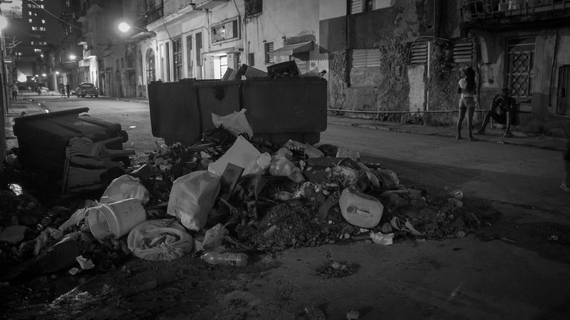 GARBAGE IN THE STREET, HAVANA