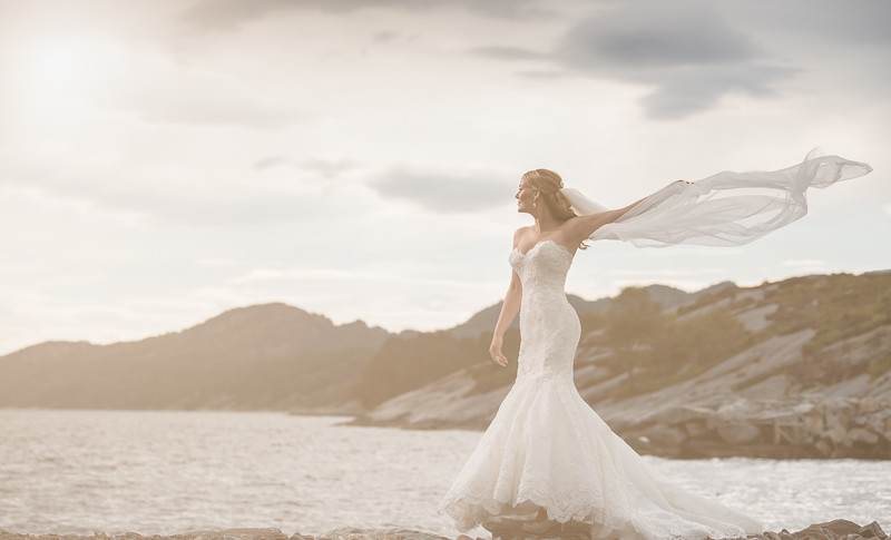 The Bride and the sea