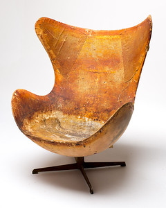 CH007 Vintage Distressed Egg Chair