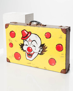 CU004 Clown Suitcase