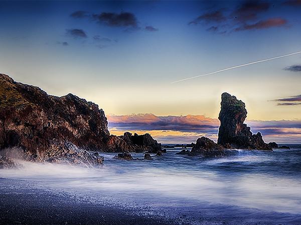 Iceland Beach- Gary Emord PSA Score 7