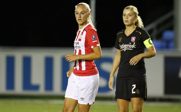 20160923 - Nederland - Eindhoven - PSV Vrouwen - FC Twente Vrouwen - Kirsten Koopmans  (PSV Vrouwen) - Maud Roetgering (FC Twente Vrouwen)