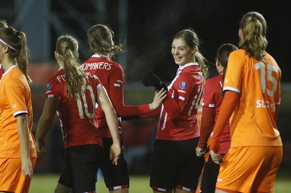 20161118 - Eindhoven - PSV Vrouwen - SC Heerenveen Vrouwen - Aniek Nouwen