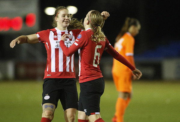 20161118 - Eindhoven - PSV Vrouwen - SC Heerenveen Vrouwen - Sisca Folkertsma -  Michelle Hendriks