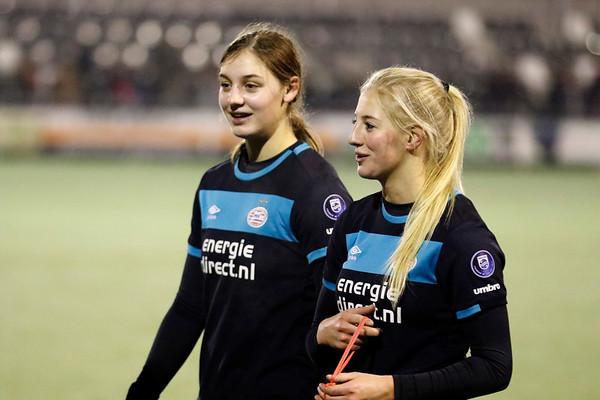 20161216 - Hengelo - FC Twente - PSV Eindhoven - Aniek Nouwen - Maureen Sanders