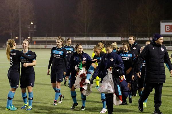 20161216 - Hengelo - FC Twente - PSV Eindhoven - Nadia Coolen - Vanity Lewerissa