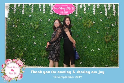 PT-Wedding-instant-print-photobooth-Chup-hinh-in-anh-lay-lien-Tiec-cuoi-Nha-hang-Dong-Xuyen-Long-Xuyen-WefieBox-Photobooth-Vietnam-115