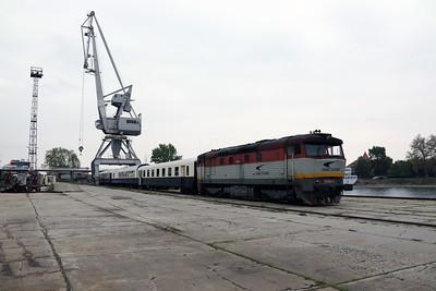 751 084 (92 56 1751 084-5 SK-ZSSKC) at Komarno Docks (Photostop 2) on 27th April 2017 working PTG Railtour (20)