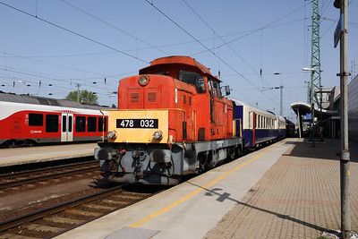 478 032 (98 55 0478 032-3 H-START) at Nyiregyhaza on 1st May 2017 working PTG Railtour (5)