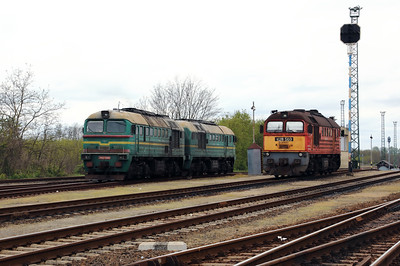 2M62 0999 & 628 503 at Eperjeske also pu on 30th April 2017 (1)