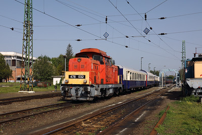 478 032 (98 55 0478 032-3 H-START) at Nyiregyhaza Depot on 1st May 2017 working PTG Railtour (8)