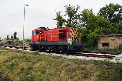 CER, 449 024 (98 55 0449 024-6 H-CERM) in Budapest Free Port (photostop 1) on 28th April 2017 working PTG Railtour (10)