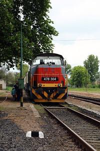 478 304 (98 55 0478 304-6 H-START) at Mezocsat on 29th April 2017 working PTG Railtour (25)