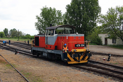 478 304 (98 55 0478 304-6 H-START) at Mezocsat on 29th April 2017 working PTG Railtour (32)