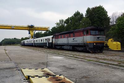 751 084 (92 56 1751 084-5 SK-ZSSKC) at Sturovo Docks on 27th April 2017 working PTG Railtour (15)