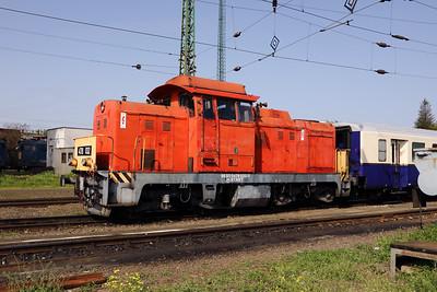 478 032 (98 55 0478 032-3 H-START) at Nyiregyhaza Depot on 1st May 2017 working PTG Railtour (16)