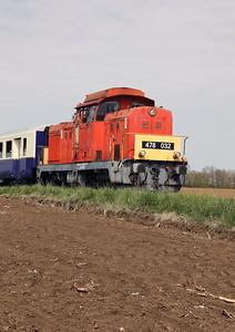 478 032 (98 55 0478 032-3 H-START) between Nagykallo and Kallosemjen on 1st May 2017 working PTG Railtour (4)